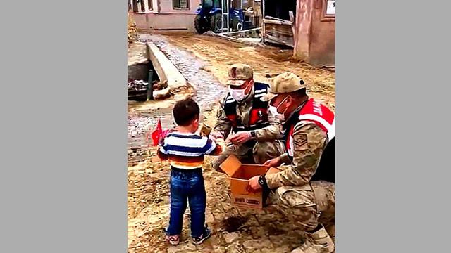 Erzincan'ın en mutlu çocuğu oldu